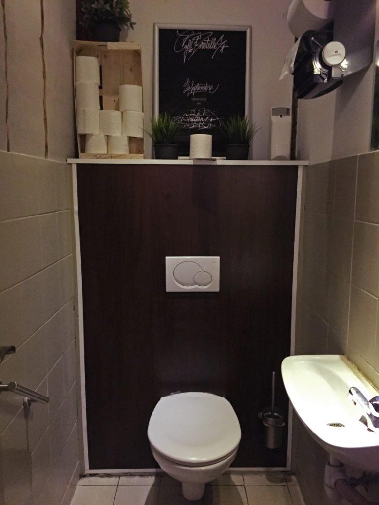 wc café bretelles