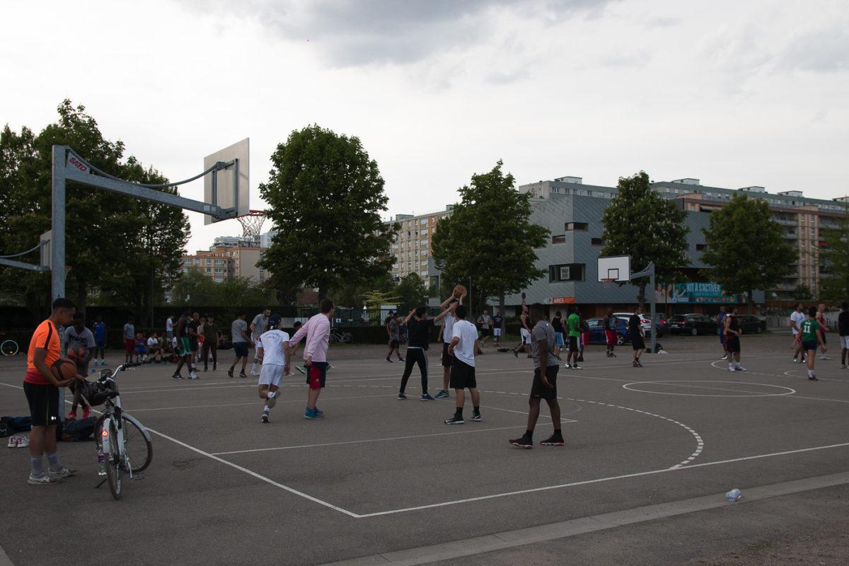 Faire Un Demi Terrain De Basket où jouer au street basket à strasbourg ?