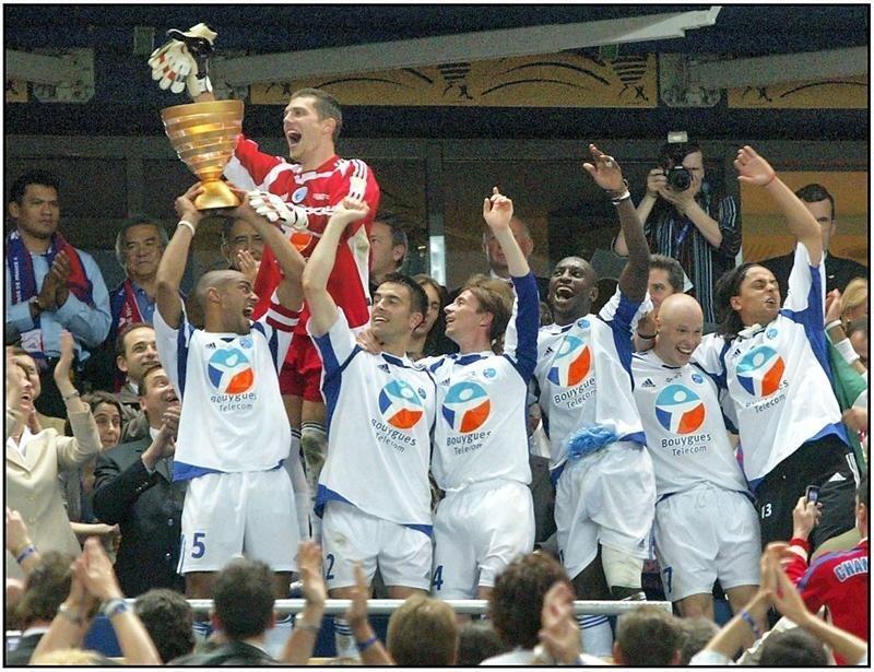 Le Racing lors de sa victoire en Coupe de la Ligue 2005, qui le qualifie en Coupe de l'UEFA