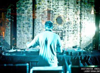Danser sur le set Afrobeat, UK Garage, House, Grime de Wolves