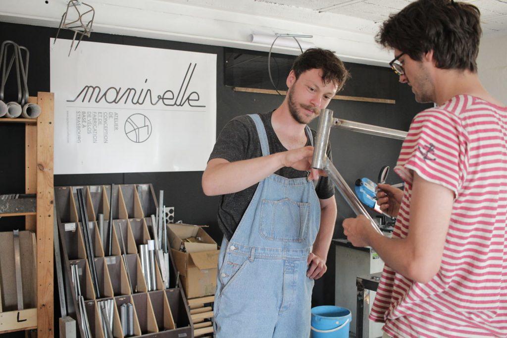 Thomas Kieber et Silvin Kutsch dans leur atelier Manivelle