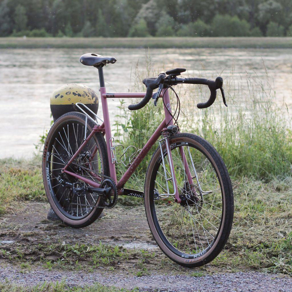 Modèle Tomi, vélo Manivelle