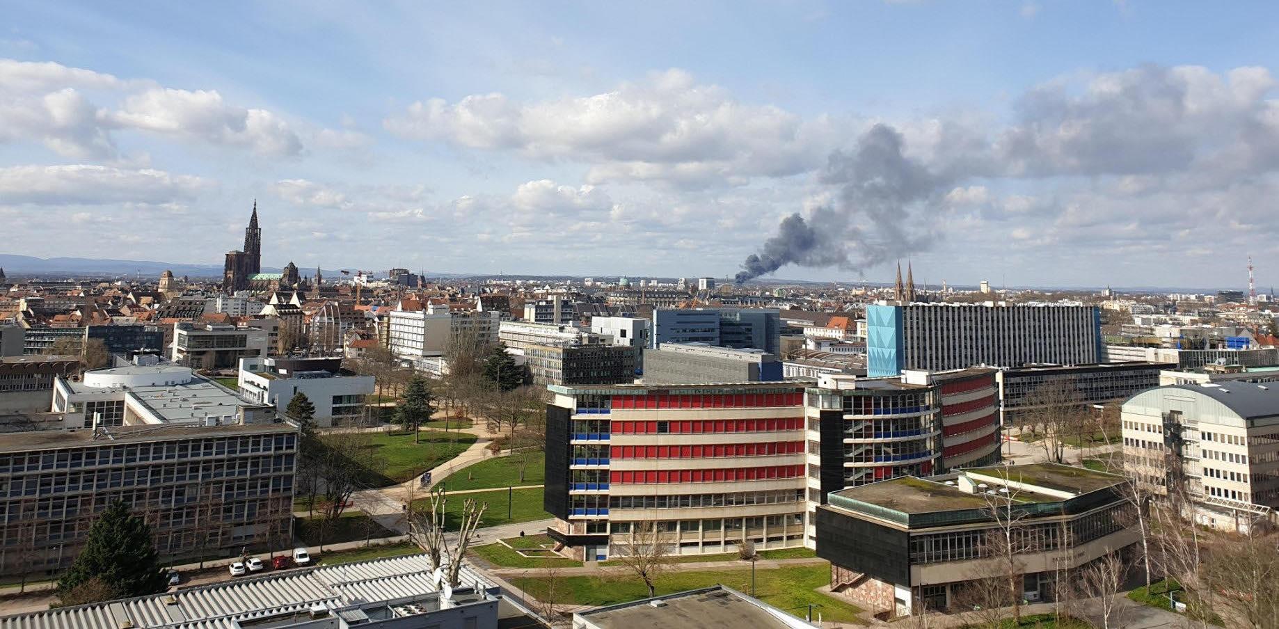 Visible depuis Strasbourg : un important feu à l'espace européen de l'entreprise