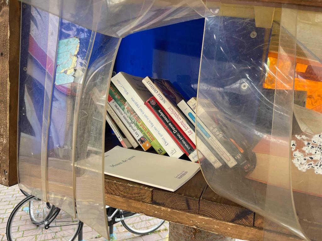 Cabane à livres rue du Jeu des Enfants