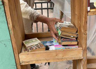 Cabane à livres place des Orphelins